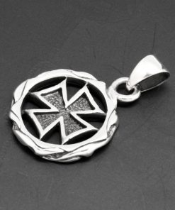 Maltese cross pendant CROSS IN VINTAGE CIRCLE 925 STERLING SILVER PENDANT